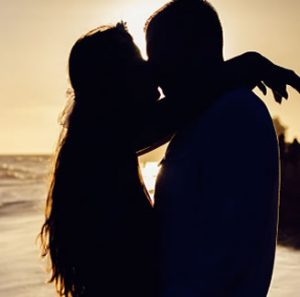Essential Oils to Set the Mood For Romance